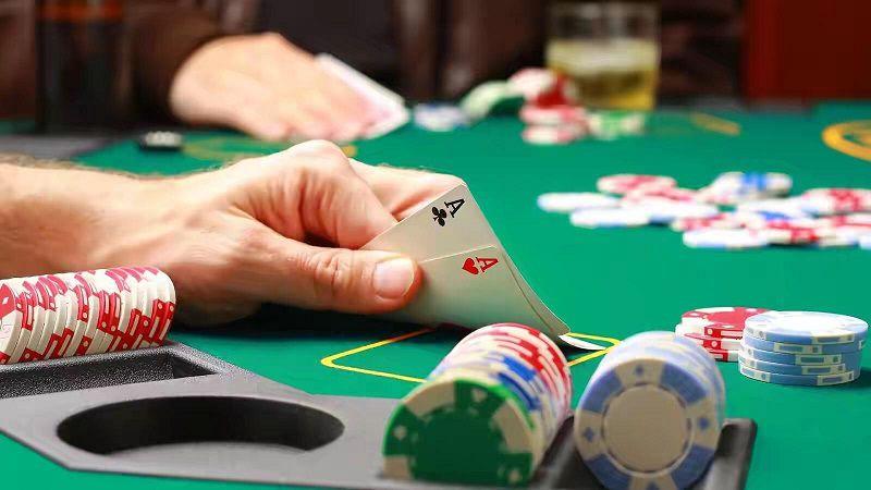 Giữ tâm lý bình tĩnh, ổn định khi chơi Poker